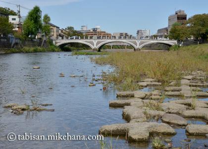ひがし茶屋街から浅野川沿いを・・・
