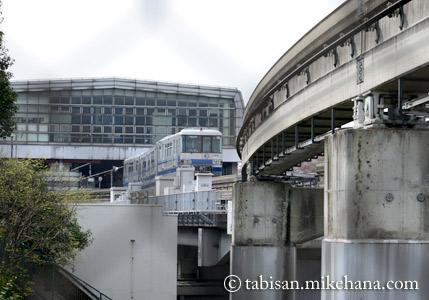 30数年前にはなかった大阪モノレール...